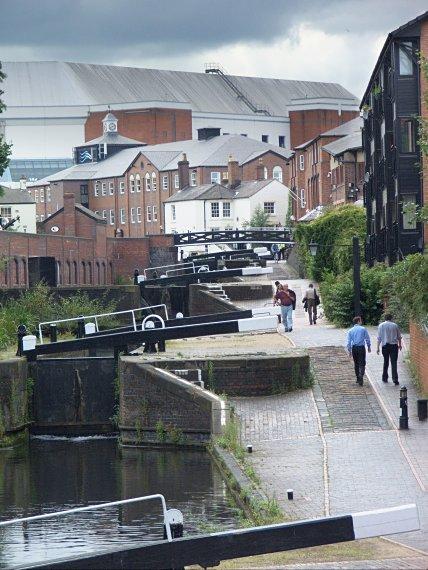 Szereg śluz na kanałach Birmingham