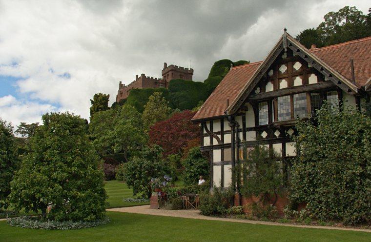 Powis Castle i jego otoczenie