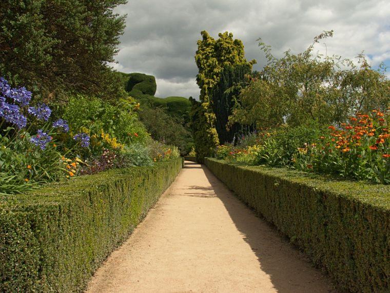 Ogród okalający Conwy Castle