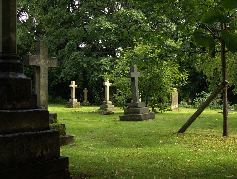 Cmentarz wokół kościoła w Solihull