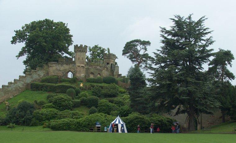 The Mound - najstarsza część Warwick Castle